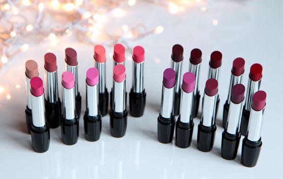 20 lipstick swatches